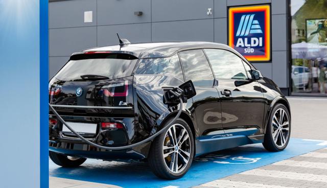 Aldi-Sued-Elektroauto-Ladestation