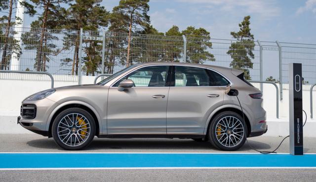 Porsche-Cayenne-Plug-in-Hybrid