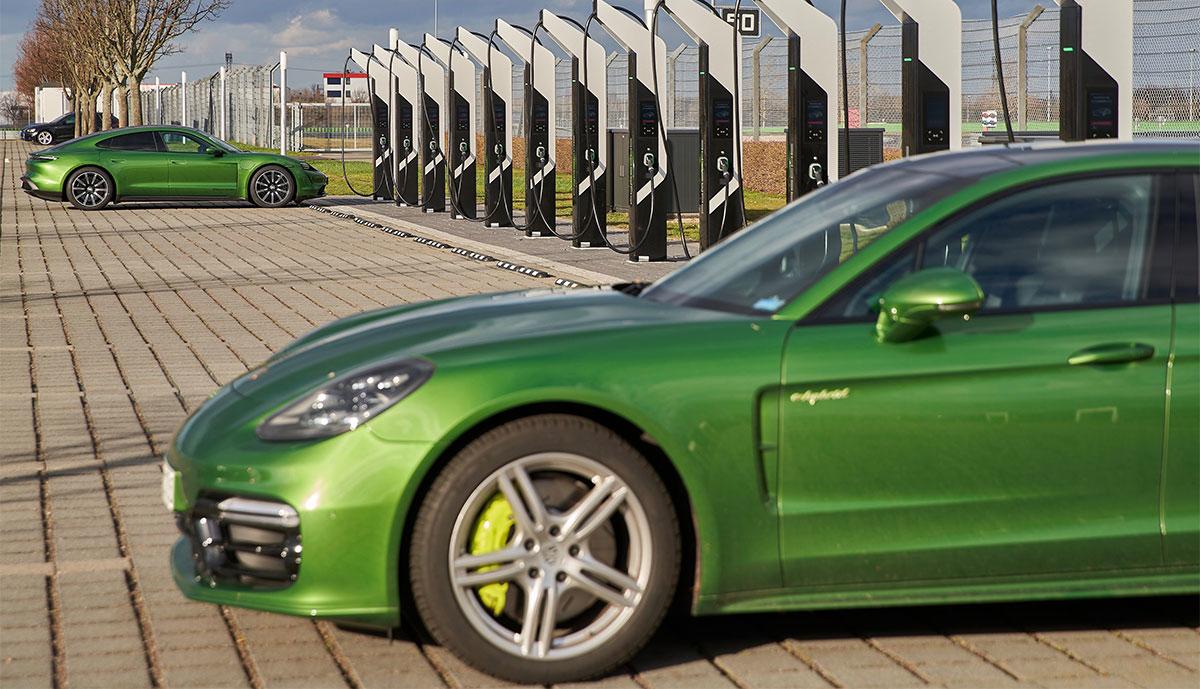 Porsche-Ladestationen