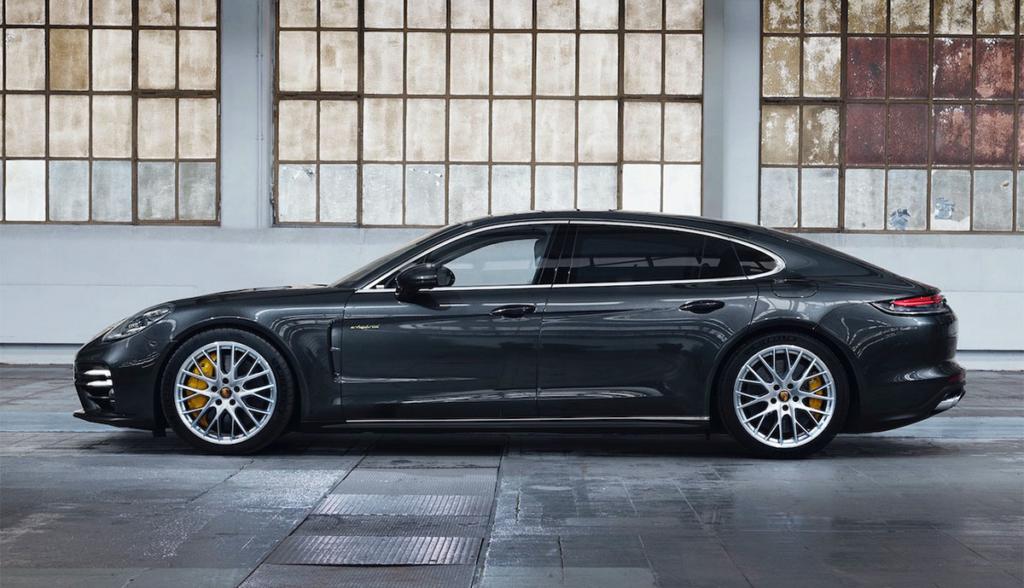 Porsche-Panamera-Turbo-S-E-Hybrid-2020-3