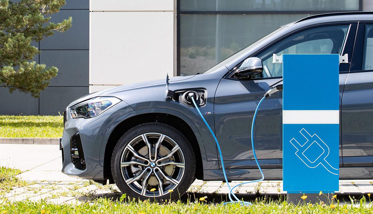 <div>BMW: Elektromobilität