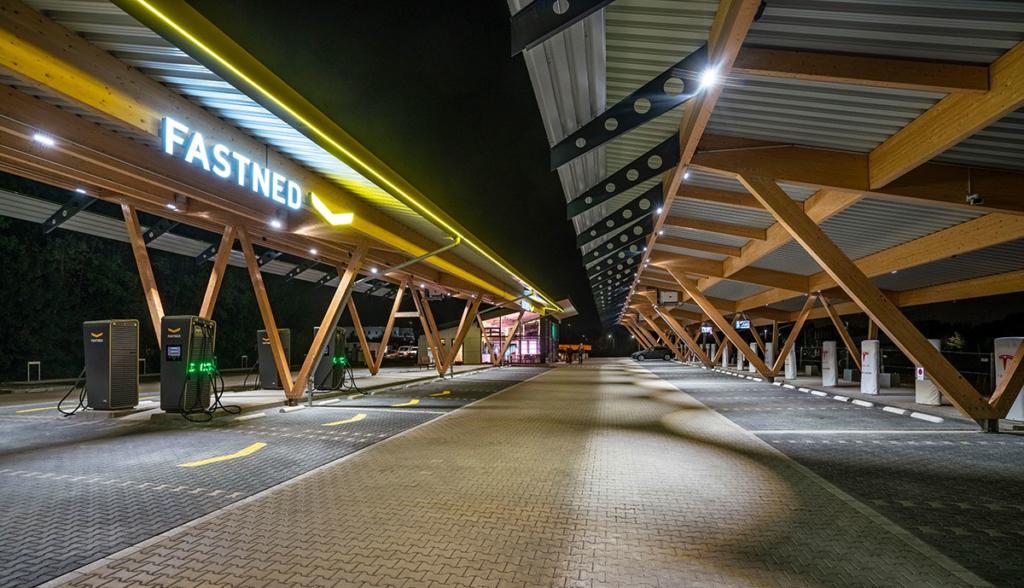 Ladepark-Hilden-Tesvolt-20201