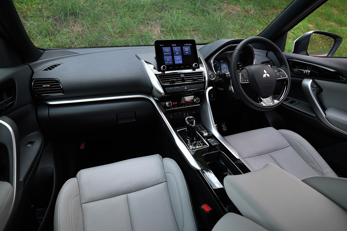 Mitsubishi-Eclipse-Cross-Plug-in-Hybrid-2020-4