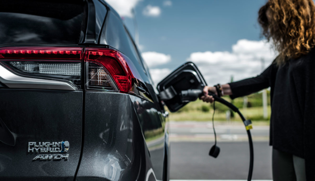 Toyota-RAV4-Plug-in-Hybrid