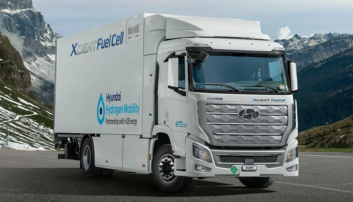 Schweiz: Hyundai liefert erste in Serie gebauten Wasserstoff-LKW aus