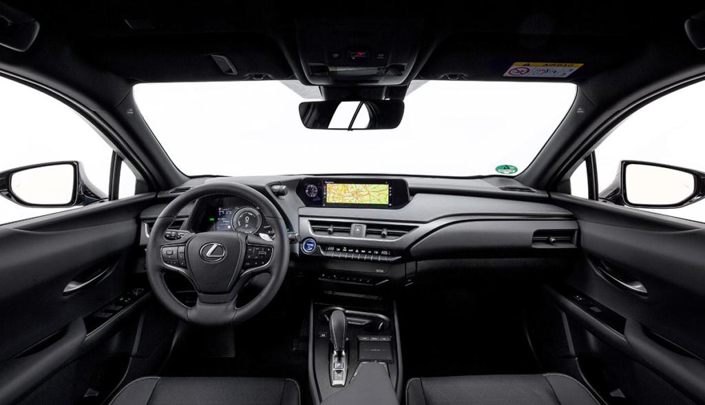 Lexus UX 300e-8