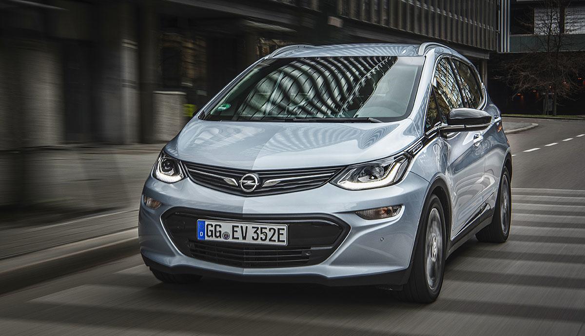 Opel-Ampera-e–silber