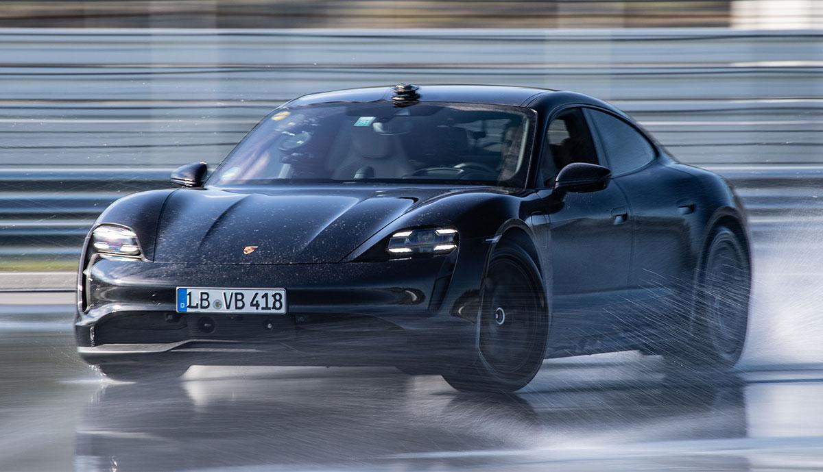 Porsche-Taycan-Drift