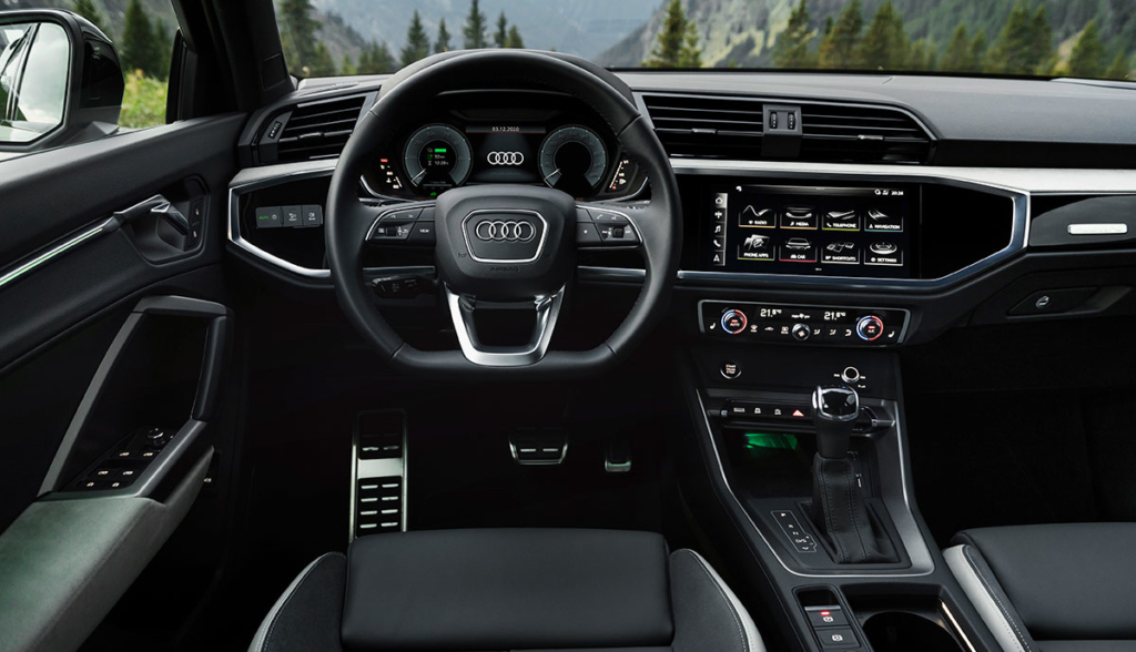 Audi-Q3-Sportback-45-TFSI-e-2020-1