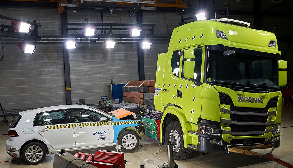Scania-Elektro-Lkw-Crashtest