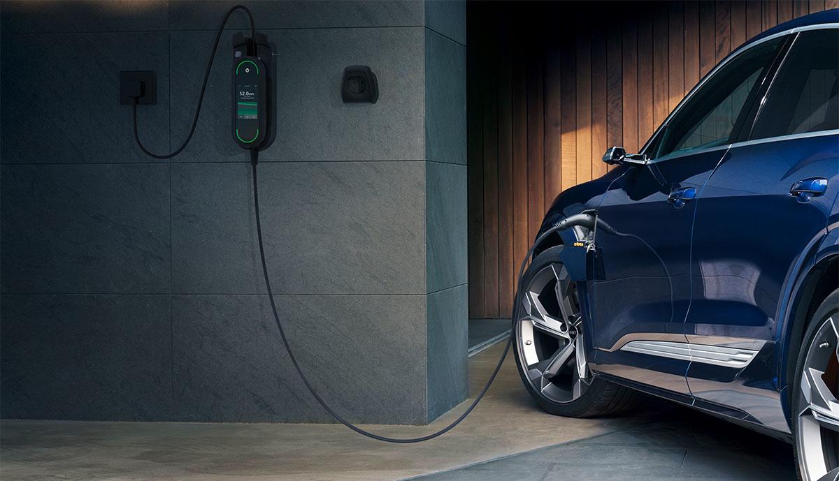 Audi-e-tron-laedt-zuhause