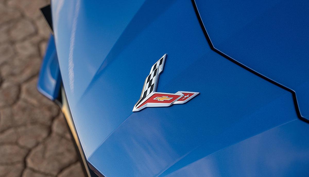 Chevrolet-Corvette-Stingray-Front-Logo