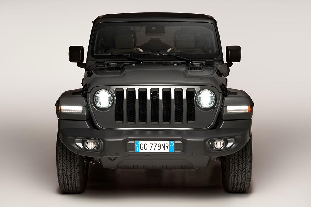 Jeep-Wrangler-4xe-2021-2