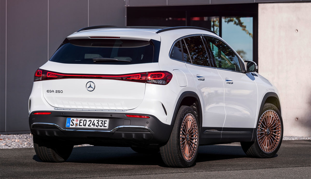Mercedes-EQA-2021-4