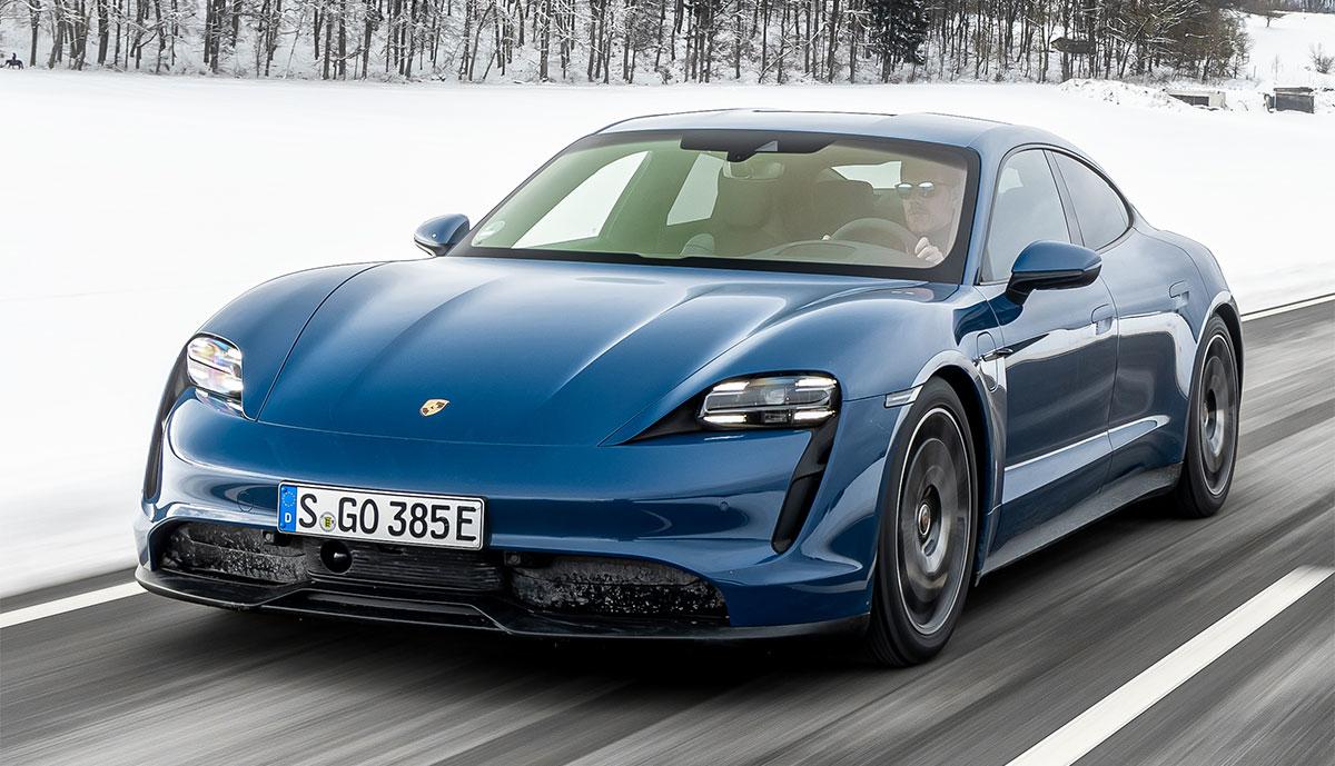 Porsche-Taycan-blau