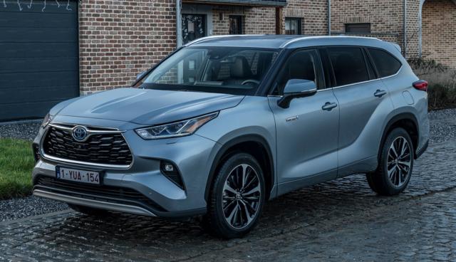 Toyota-Highlander-Hybrid-2021-2-2