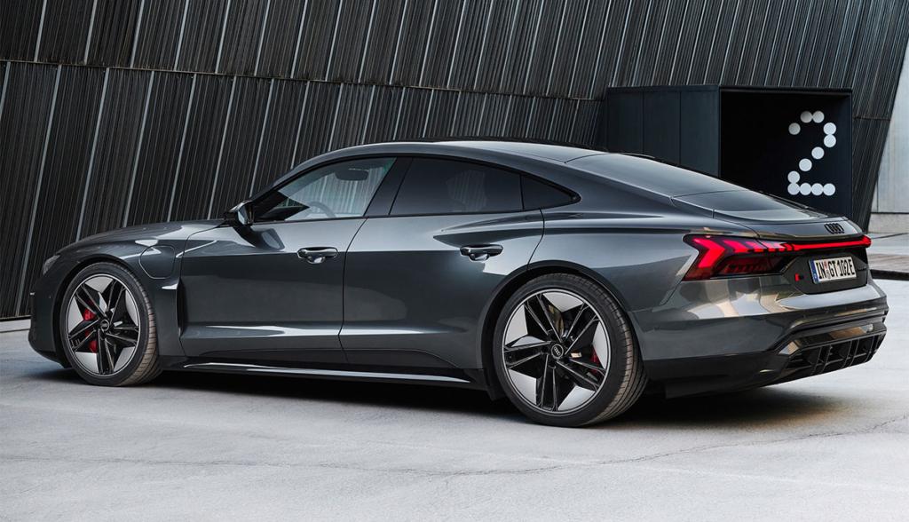 Audi-RS-e-tron-GT-2021-7