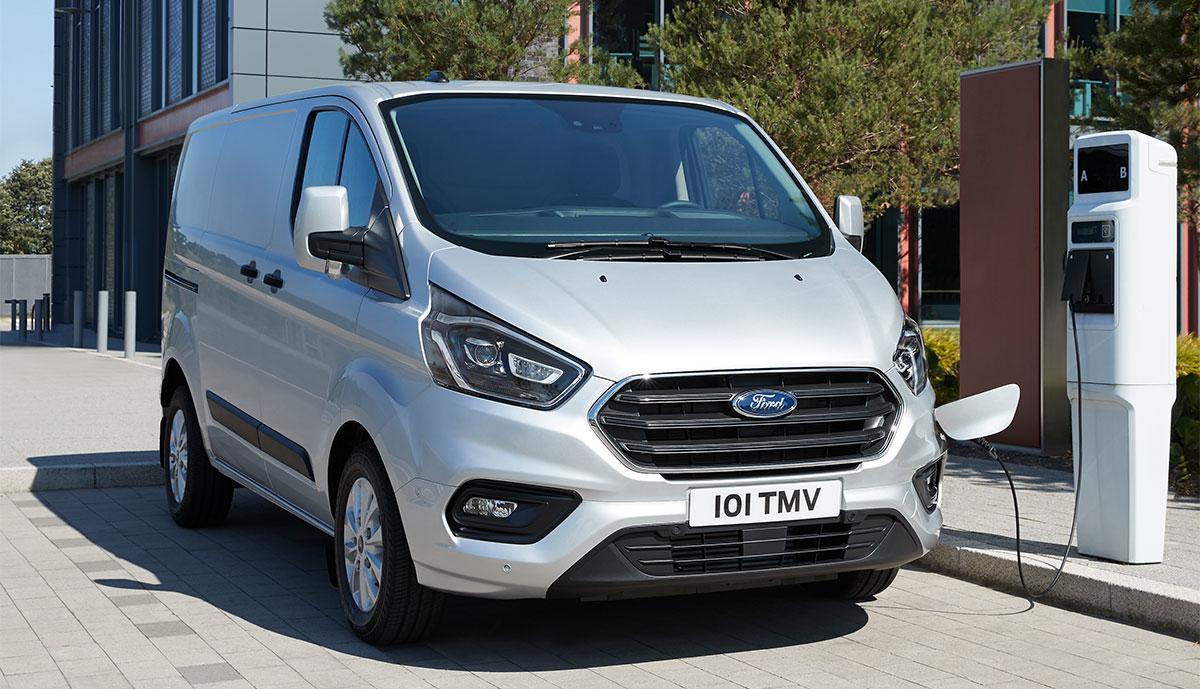 Ford-Tourneo-Custom-Plug-in-Hybrid-1