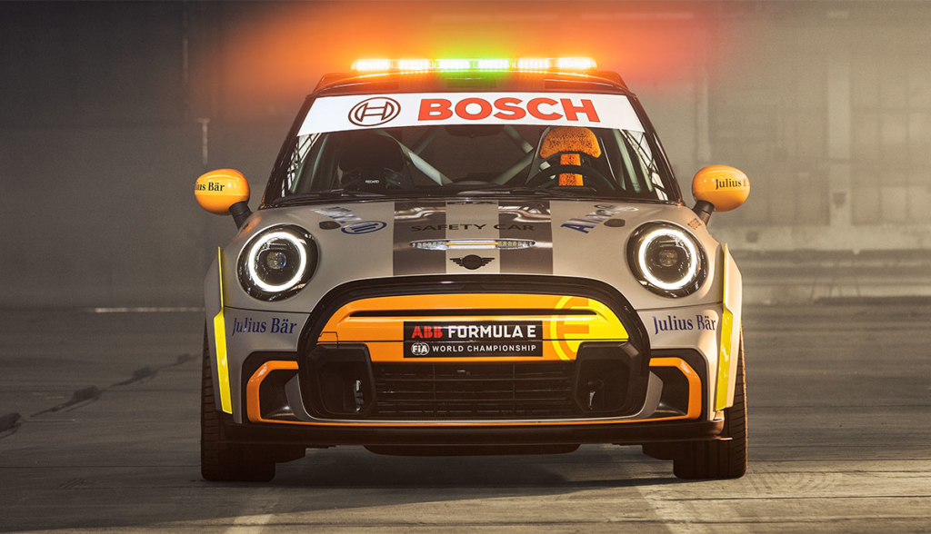 MINI-FIA-Formula-E-Safety-Car-2021-3