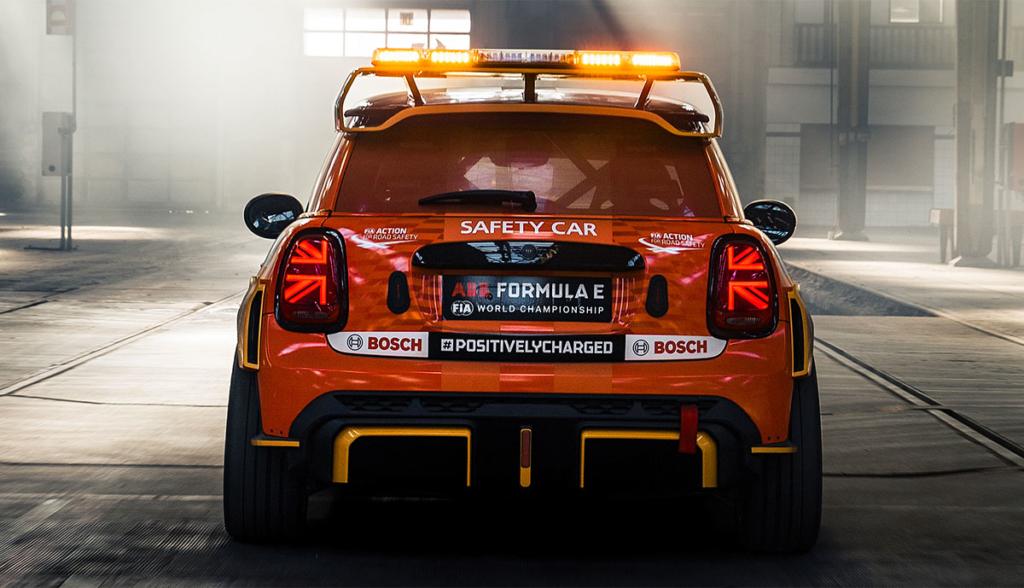 MINI-FIA-Formula-E-Safety-Car-2021-4
