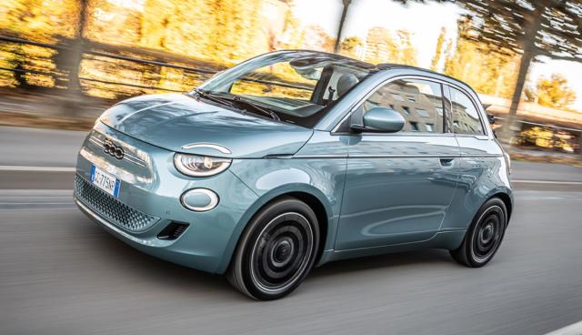 Neuer_Fiat_500_Cabrio