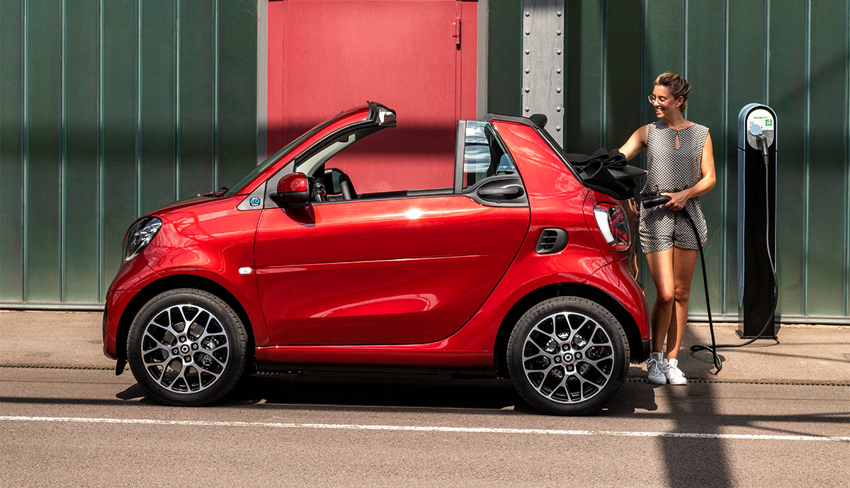 Smart-ForTwo-Cabrio-laedt