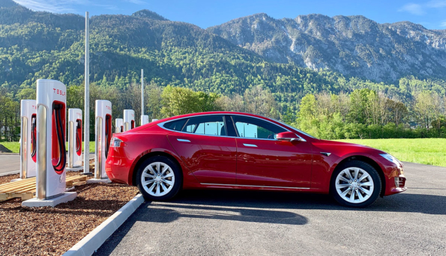 Tesla-Supercharger-Flachau-AT