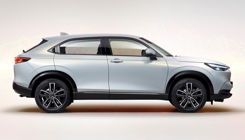 Honda-HR-V-e_HEV-2021-2