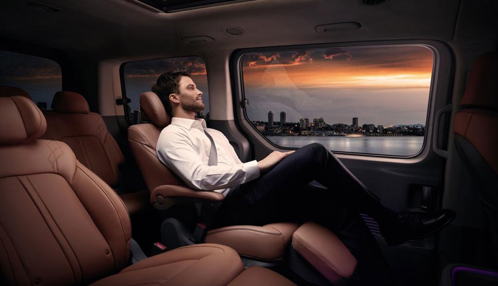 Hyundai-Staria-2021-8