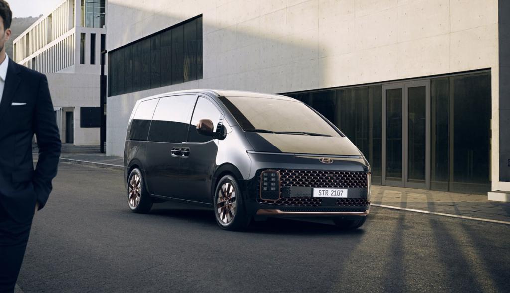 Hyundai-Staria-2021-9