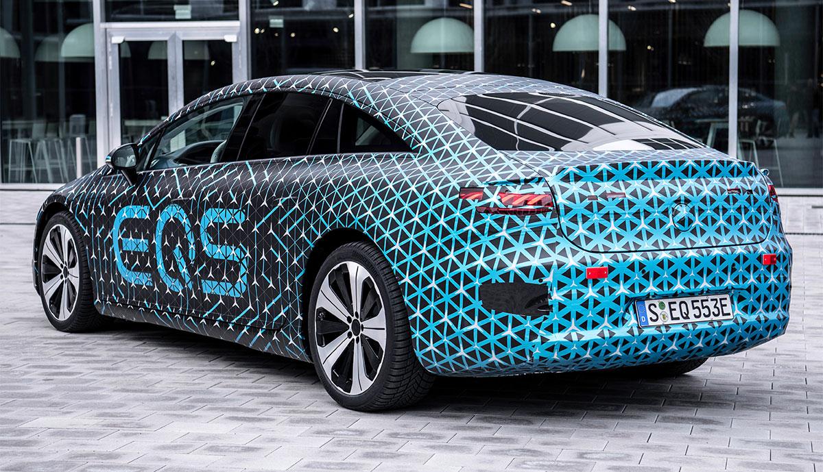 Mercedes-EQS-getarnt-hinten