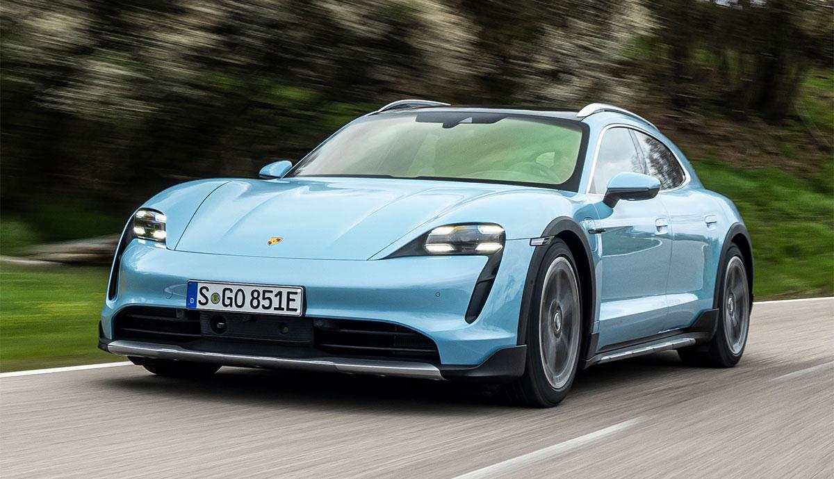 Porsche-Cross-Turismo-hellblau