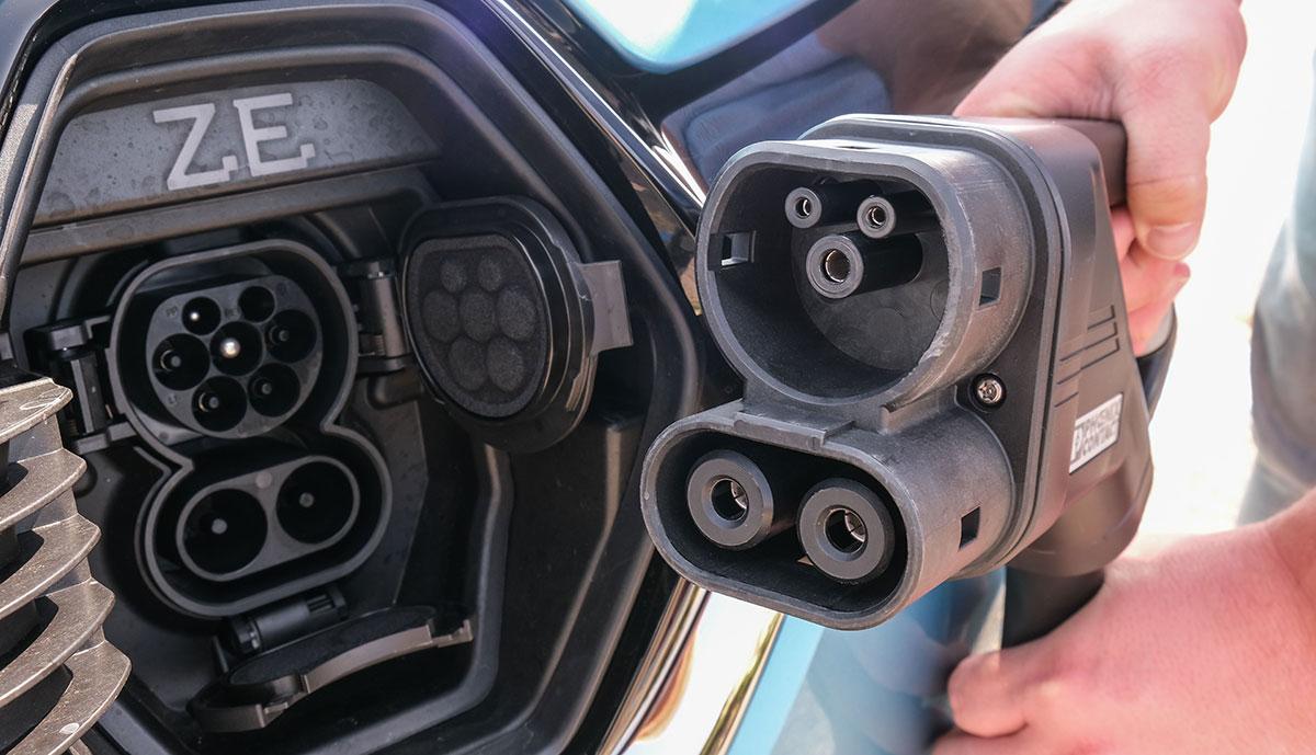 Renault-ZOE-CCS-Anschluss