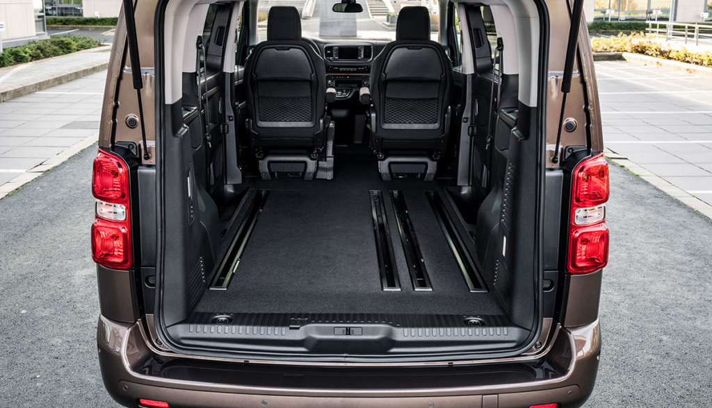 Toyota-Proace-Verso-Electric-2021-11