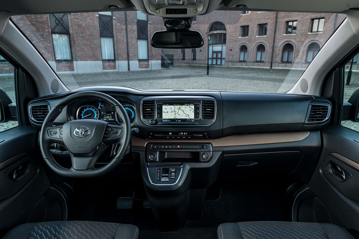 Toyota-Proace-Verso-Electric-2021-6