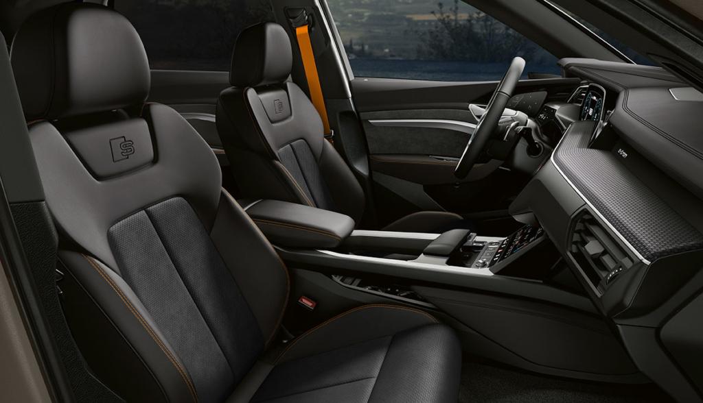 Audi-e-tron-S-line-black-edition-2021-3