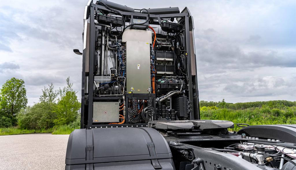 Mercedes-Benz-GenH2-Truck—2021-2
