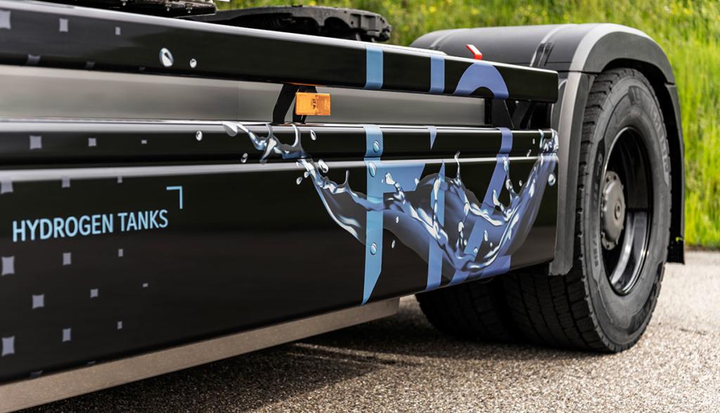 Mercedes-Benz-GenH2-Truck—2021-6