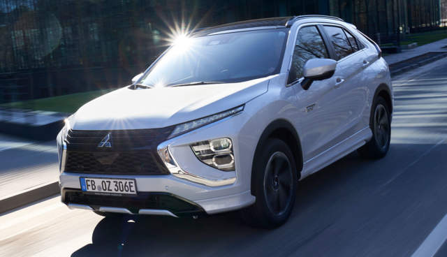 Mitsubishi-Eclipse-Cross-Plug-in-Hybrid-9