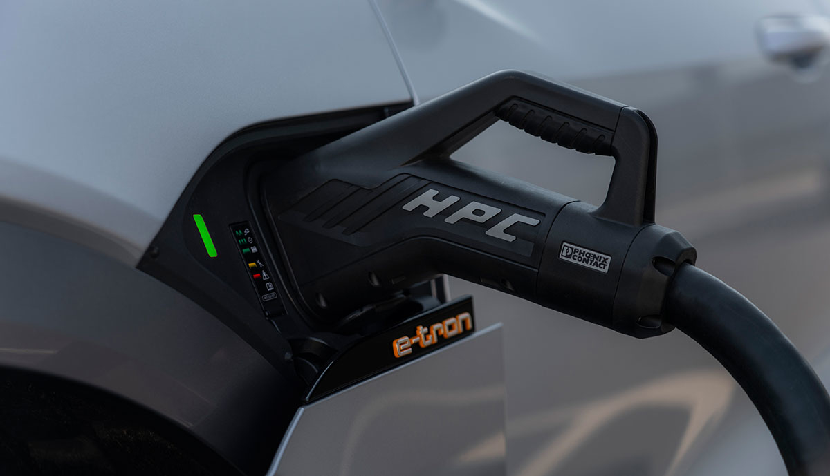 Audi-e-tron-HPC-Ladeanschluss