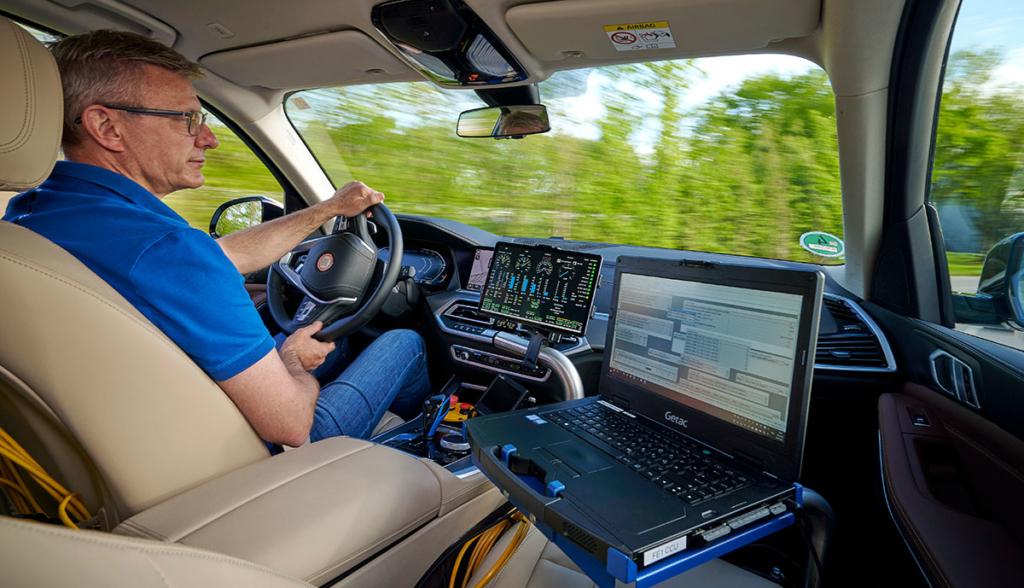 BMW erprobt Wasserstoff SUV