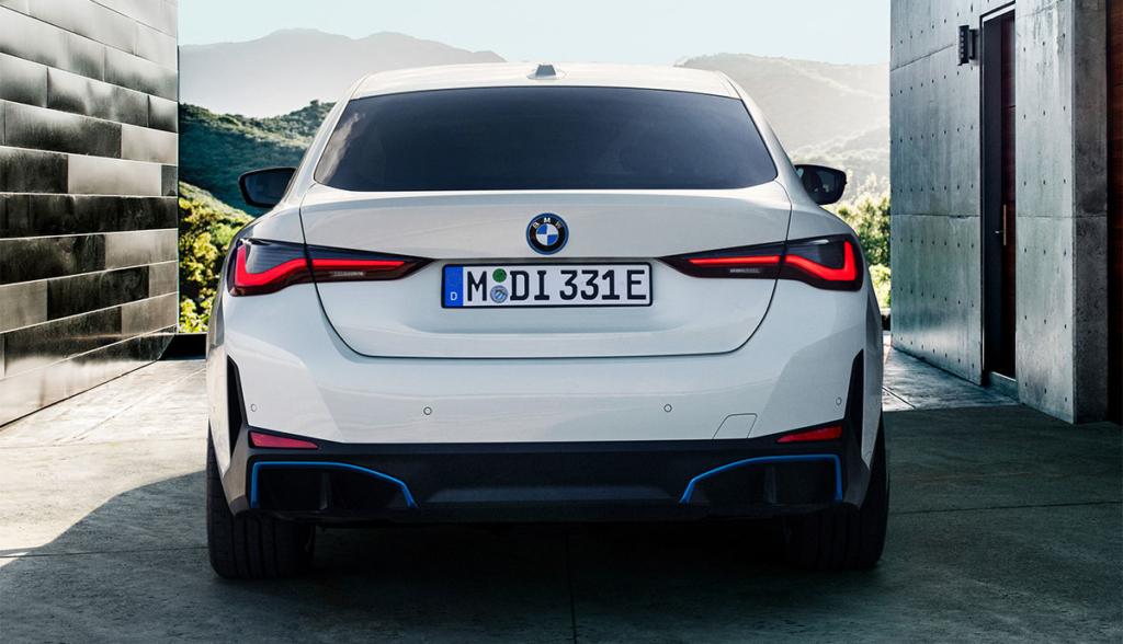 BMW-i4-2021-11