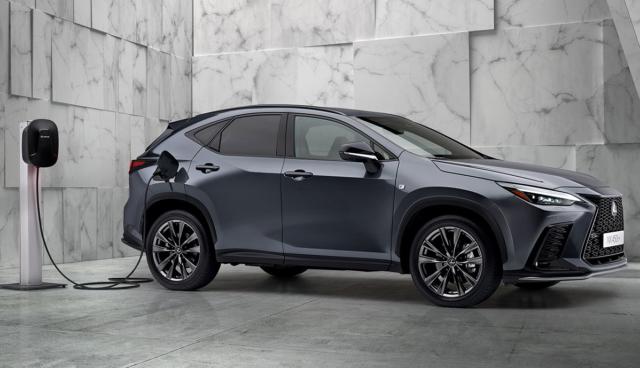 Lexus-NX-450h+-Plug-in-Hybrid-2021-3
