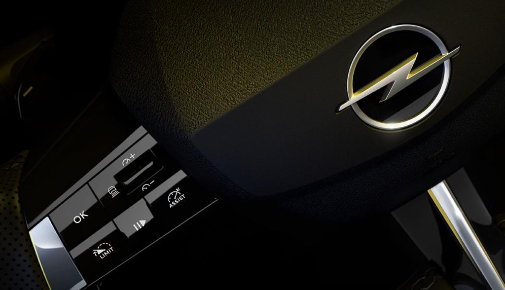 Opel-Astra-2021-1