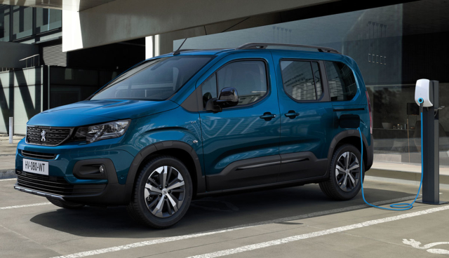 Peugeot-e-Rifter-2021-3