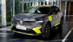 Renault Megane E-TECH Electric getarnt-2021-2