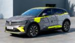Renault Megane E-TECH Electric getarnt-2021-5