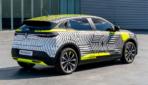 Renault Megane E-TECH Electric getarnt-2021-7