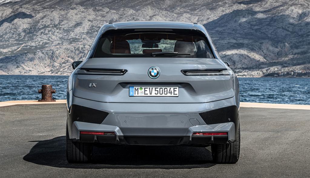 BMW-iX-2021-1