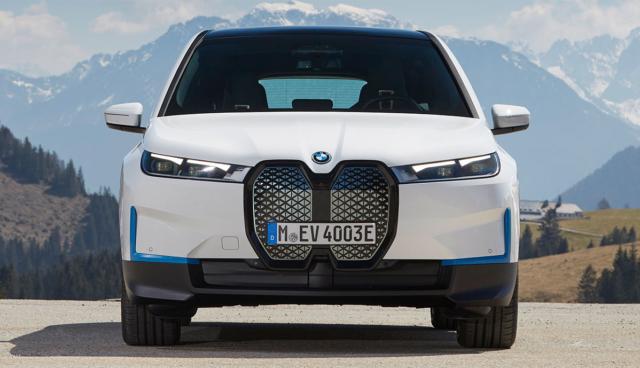 BMW-iX-5